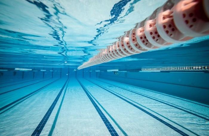 Спортзал с бассейном в Москве - изображение