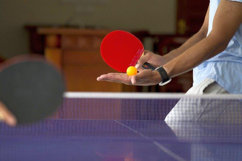 Как принимать подачи в настольном теннисе - изображение